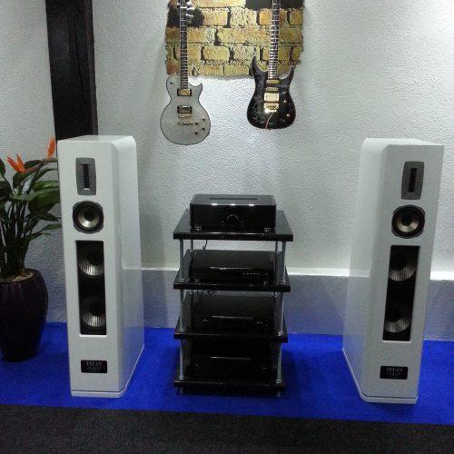 Standlautsprecher im Hifi-Studio von Singer Hi-Fi & TV