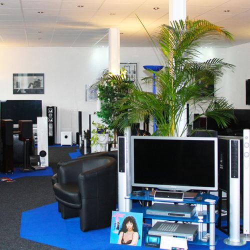 TV-Geräte im Ladengeschäft von Singer Hi-Fi & TV in Rheinfelden